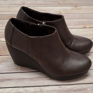 Dr. Scholl's Wedge Headline Booties 8.5 M